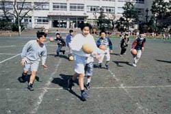 anak anak jepang menggunakan waktu luangnya dengan macam macam cara